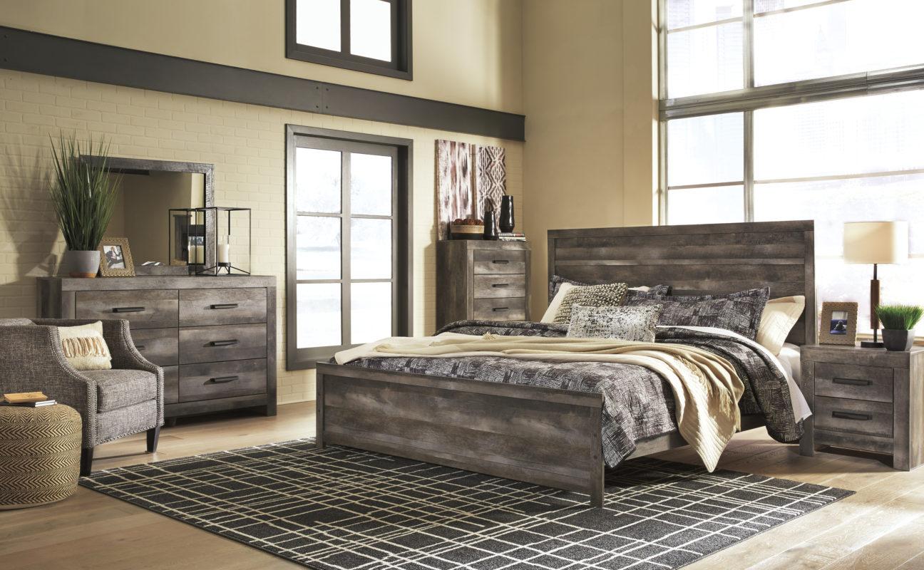 Wynnlow Gray King Panel Bedroom Set Evansville Overstock