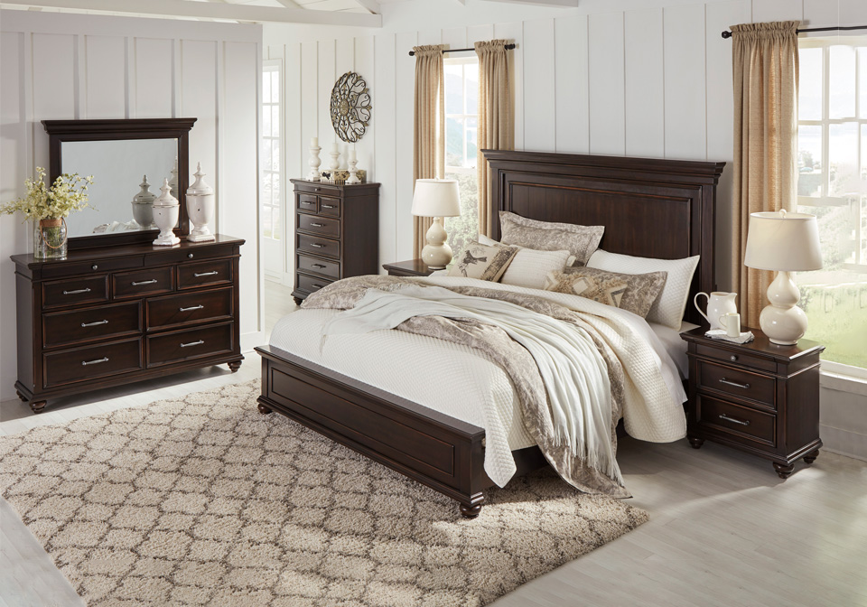 Brynhurst Dark Brown King Panel Bedroom Set